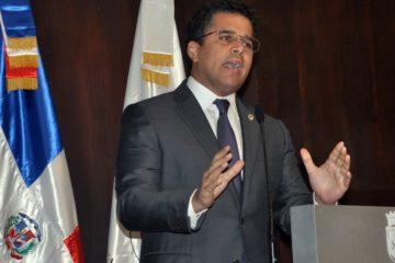 Cabildo renegocia contratos y ahorra más de RD$500 MM