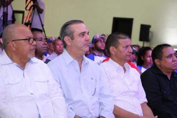 Abinader espera cesen aprestos reeleccionistas