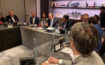 Ministro de Turismo RD se reúne con turoperadores de NY y rechaza haya cancelaciones masivas en reservaciones