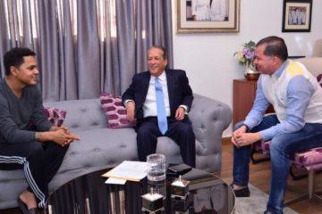 Alofoke no retirará su candidatura; Danilo le dice que continúe