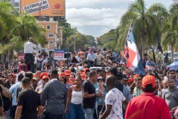 Leonel Fernández muestra fuerza contra reforma; dice no puede apoyar a Danilo Medina
