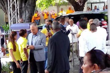 Llegan a la casa nacional del PLD miembros del CC para definir precandidatos presidenciales