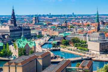 Trump suspende reunión con premier danesa por negarse a vender Groenlandia