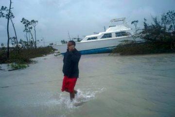 Dorian deja a Bahamas sumergida en catástrofe y ahora débil se enfila a EEUU