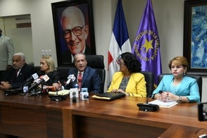 Comité Político elige a Temístocles Montás como presidente interino del PLD