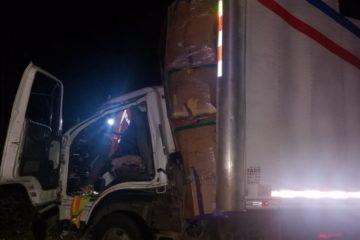 Dos muertos y un herido tras choque de camión y patana en Loma Miranda
