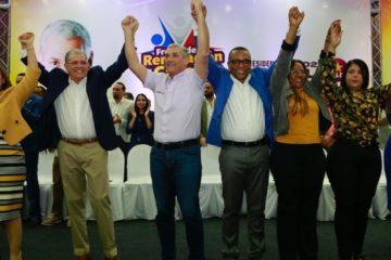 Gonzalo Castillo recibe apoyo de equipo Amarante Baret, Frente Renovación y Cambio