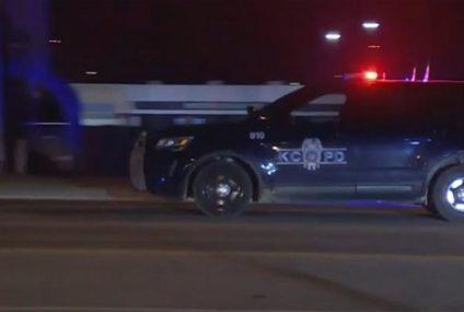 Tiroteo en Kansas deja 2 muertos y 15 heridos