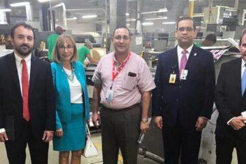 Misión de OEA visita Editora Corripio para observar inicio impresión de boletas