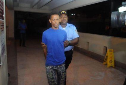 Tribunal envía a la cárcel por dos meses al menor acusado de matar a Yaneisy