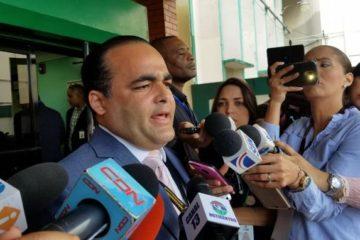 Robert de la Cruz dice tomó licencia en el DNI para ser delegado del PLD en la JCE