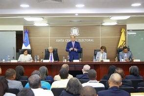A pesar de pandemia, JCE se mantiene firme en celebrar elecciones del 17 de mayo