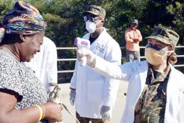 Haitianos abarrotan el mercado en Dajabón; mientras autoridades toman medidas por coronavirus