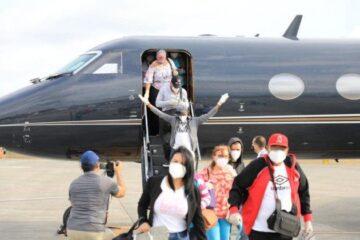 Llegan 15 dominicanos más que Gonzalo ayudó a regresar desde Venezuela