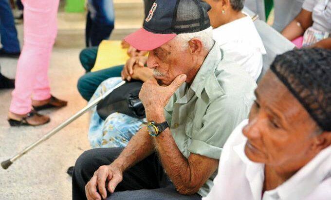 Los adultos mayores tienen prioridad para votar