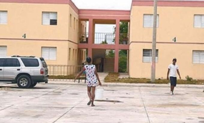 A horas de pasar las elecciones ocupan apartamentos sin terminar en Barahona