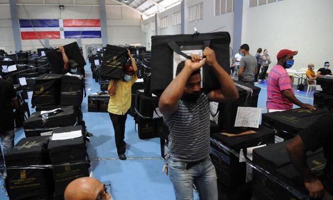 Campaña electoral llegó a su final con envío de materiales