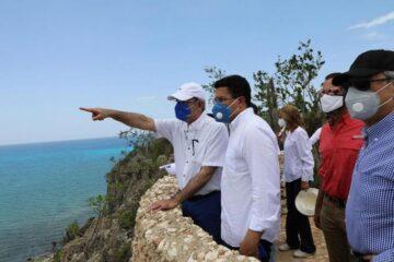 Gobierno se compromete con desarrollo turístico de Pedernales
