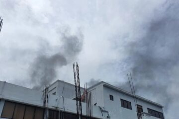 VIDEO: Fuego afecta Ministerio de Salud Pública